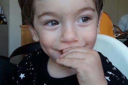 איך לעזור לילדים לא להיעלב בקלות – ועוד 4 דרכים מעשיות ופשוטות לחיזוק המוח החיובי בילדות